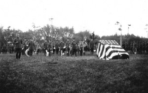 1922 memorial service at the grove. Via the Michigan State University Archive flikr.